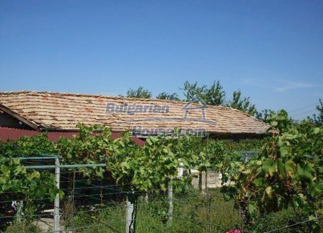 11148:6 - Maintained rural house with a wonderful big garden,Shumen region