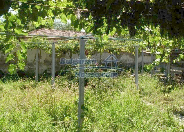 11148:8 - Maintained rural house with a wonderful big garden,Shumen region