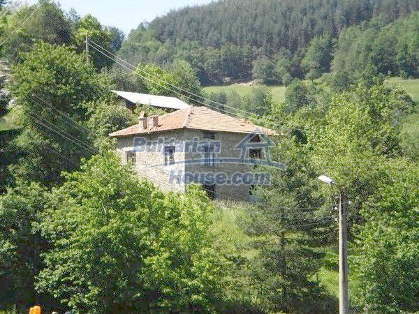 11157:1 - Stone house in a splendid region near the Rhodope Mountains
