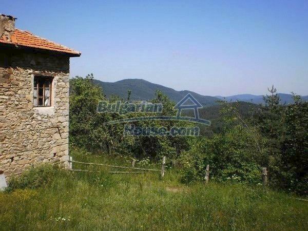 11157:10 - Stone house in a splendid region near the Rhodope Mountains