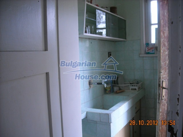 10737:11 - Brick house with a huge garden plot near Stara Zagora