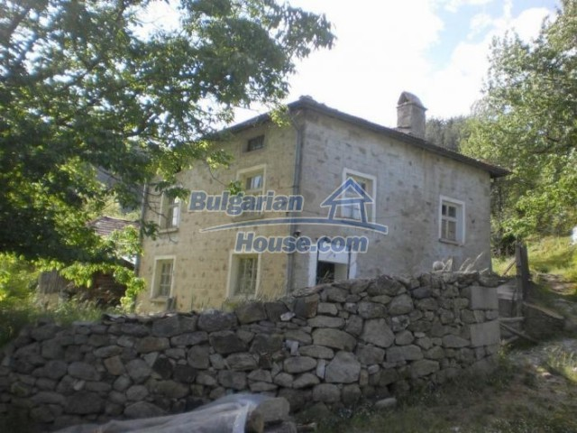 11174:1 - Beautiful stone house near Pamporovo,mountain scenery