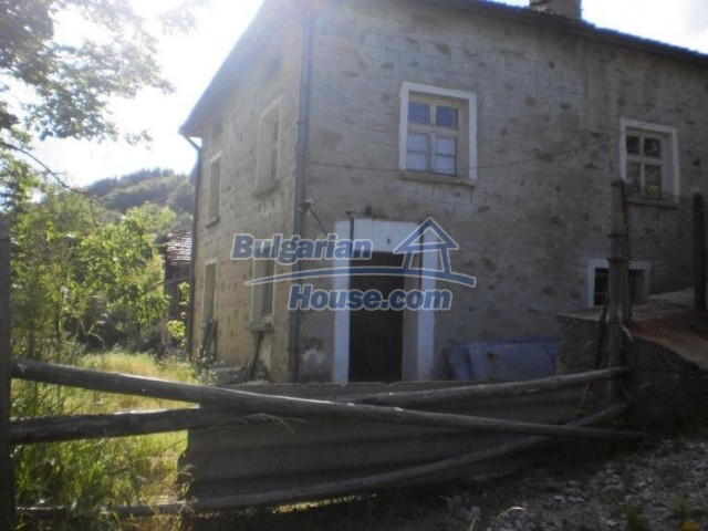 11174:2 - Beautiful stone house near Pamporovo,mountain scenery