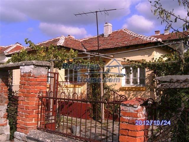 11177:1 - Nice single-storey house with an enormous garden plot,Elhovo