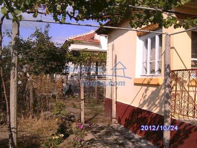 11177:2 - Nice single-storey house with an enormous garden plot,Elhovo