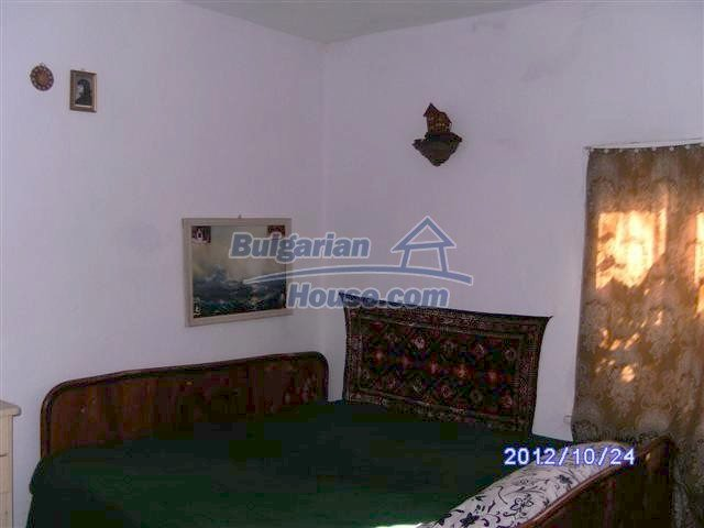 11177:8 - Nice single-storey house with an enormous garden plot,Elhovo