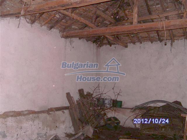 11177:12 - Nice single-storey house with an enormous garden plot,Elhovo