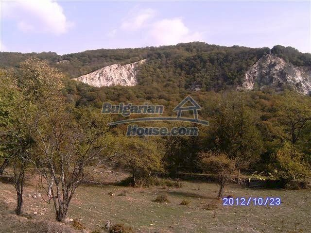 11177:14 - Nice single-storey house with an enormous garden plot,Elhovo