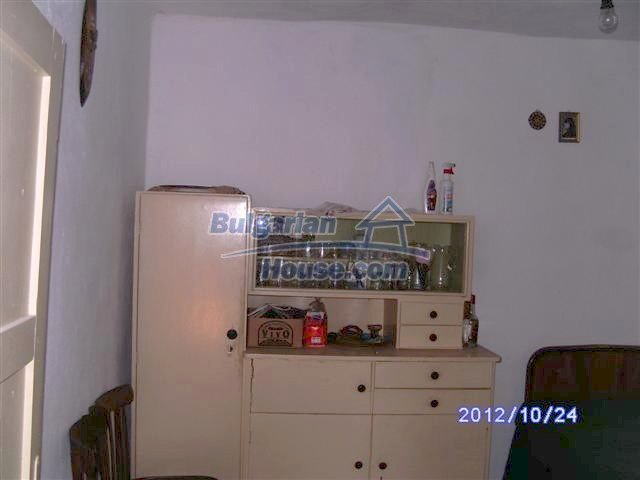 11177:9 - Nice single-storey house with an enormous garden plot,Elhovo