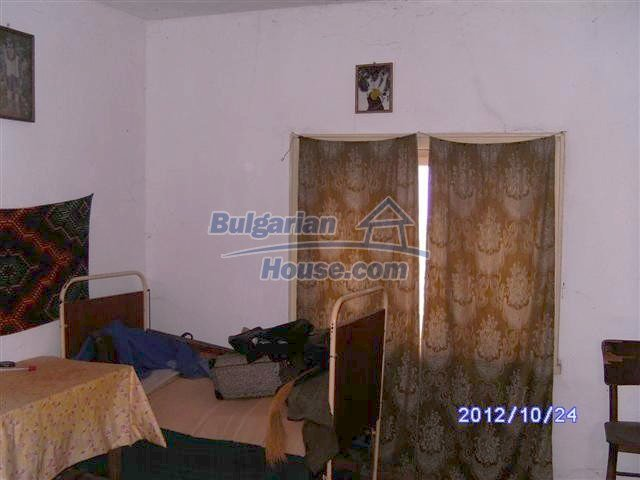 11177:10 - Nice single-storey house with an enormous garden plot,Elhovo