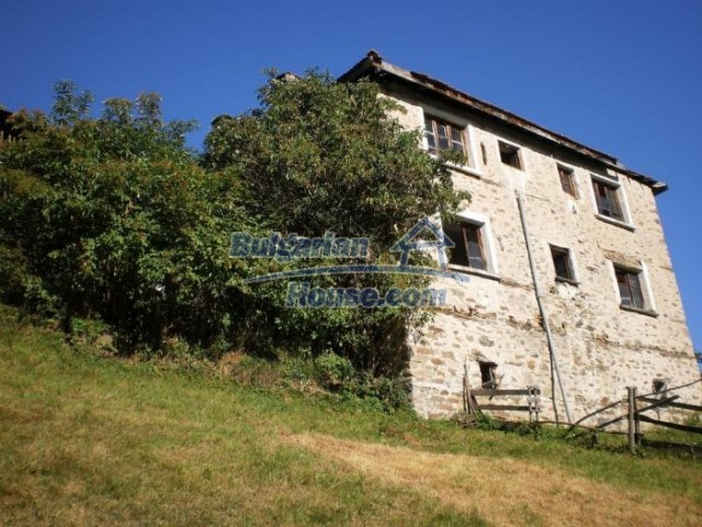 11178:1 - Massive cheap house with a mountain view near Kardzhali