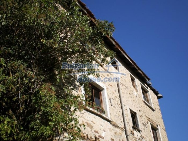 11178:3 - Massive cheap house with a mountain view near Kardzhali