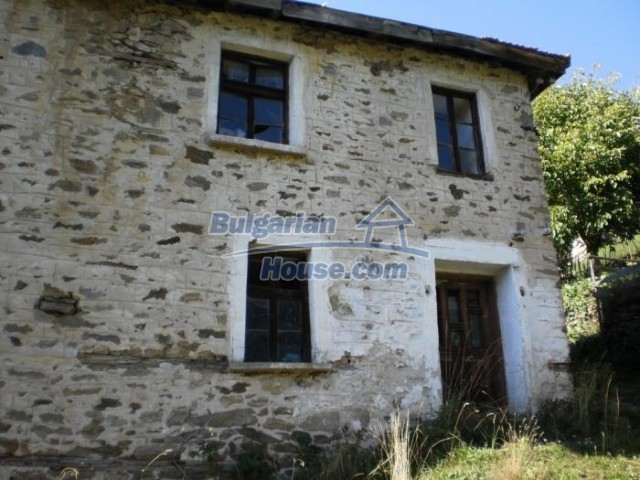 11178:5 - Massive cheap house with a mountain view near Kardzhali