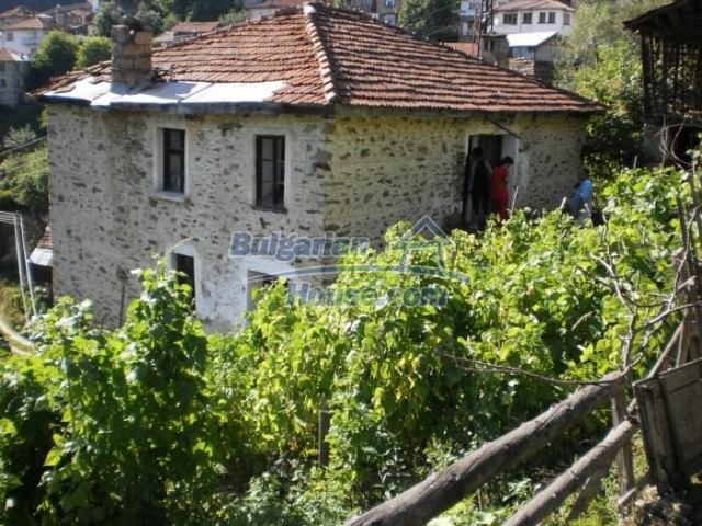 11178:6 - Massive cheap house with a mountain view near Kardzhali