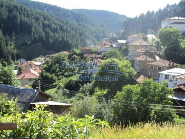 11178:19 - Massive cheap house with a mountain view near Kardzhali
