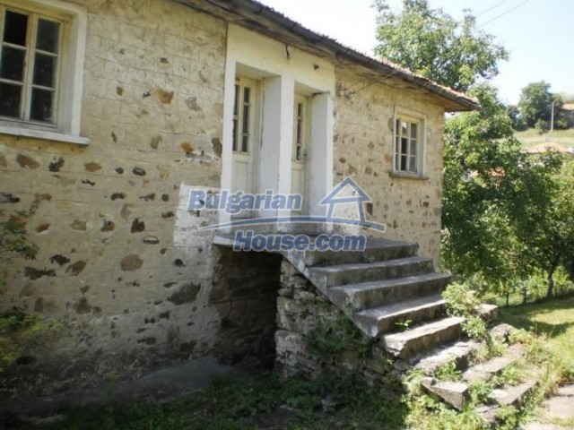 11180:5 - Rural house close to a pine forest,Rhodope Mountains