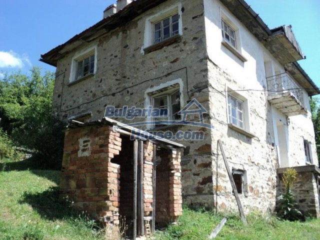 11180:10 - Rural house close to a pine forest,Rhodope Mountains