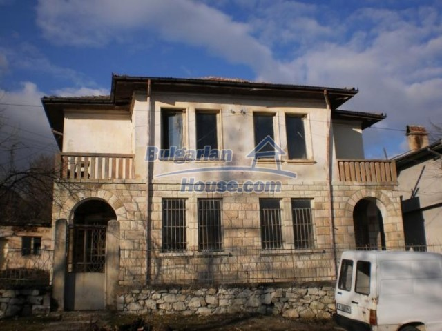 11183:1 - Rural brick house with a wondrous panoramic view,Kardhzali