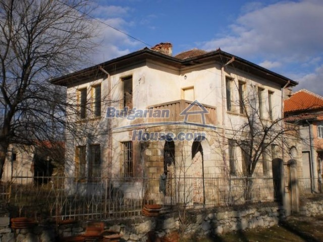 11183:2 - Rural brick house with a wondrous panoramic view,Kardhzali