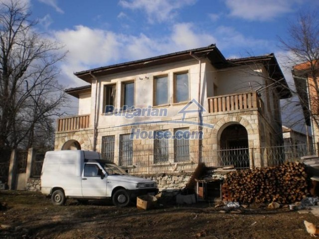 11183:3 - Rural brick house with a wondrous panoramic view,Kardhzali