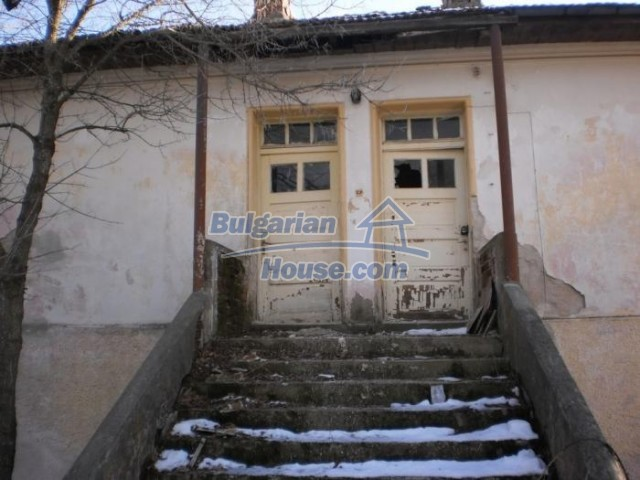 11183:7 - Rural brick house with a wondrous panoramic view,Kardhzali