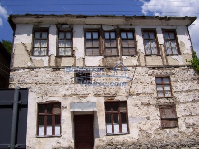 11184:1 - Beautiful sunny house in a historic place near Smolyan