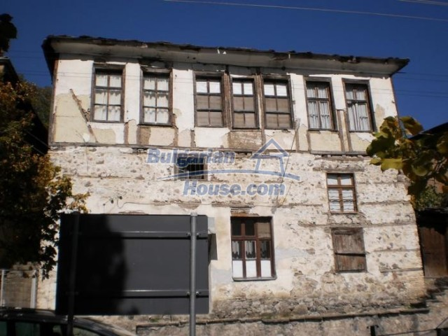 11184:5 - Beautiful sunny house in a historic place near Smolyan
