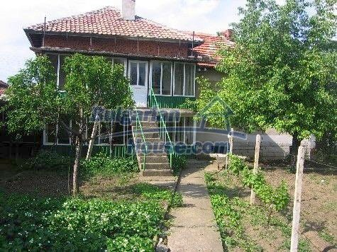 11191:1 - Two beautiful maintained rural houses in one yard -Vratsa