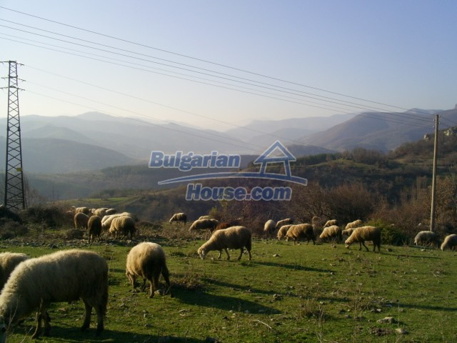 11194:26 - House for sale with lovely mountain views in Karjali region