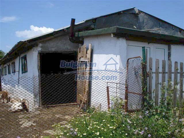 11195:15 - Renovated rural house with a landscaped yard near Elhovo