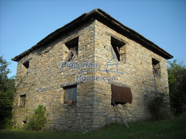 11201:4 - Stone house in a beautiful unspoiled countryside near Kardzhali