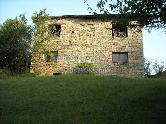 11201:5 - Stone house in a beautiful unspoiled countryside near Kardzhali