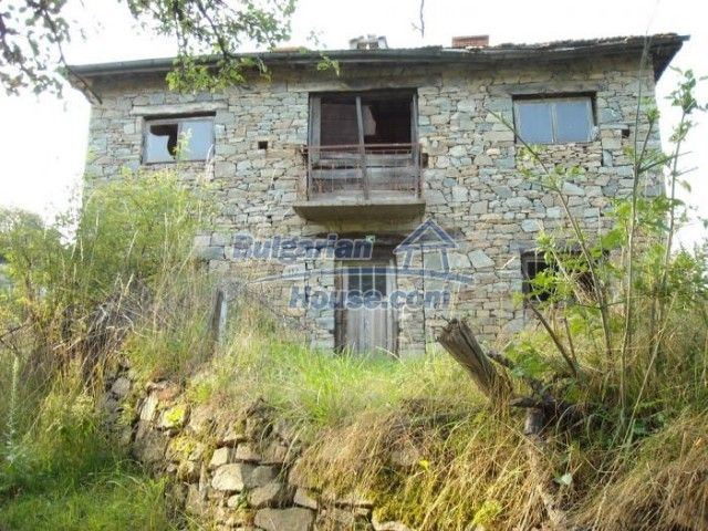 11201:13 - Stone house in a beautiful unspoiled countryside near Kardzhali