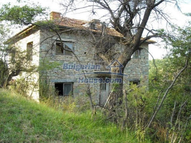 11201:9 - Stone house in a beautiful unspoiled countryside near Kardzhali