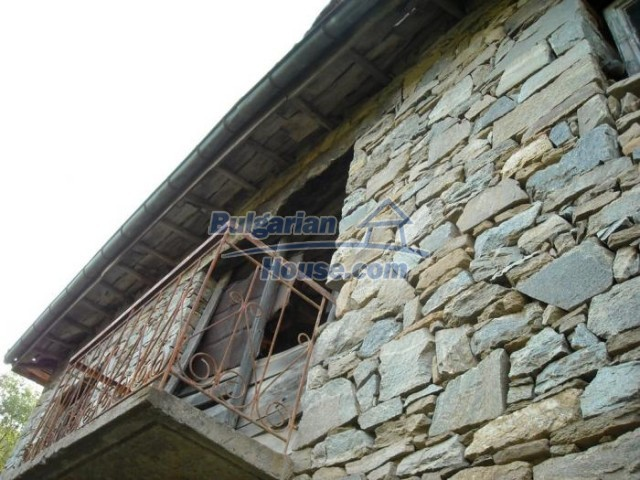 11201:14 - Stone house in a beautiful unspoiled countryside near Kardzhali