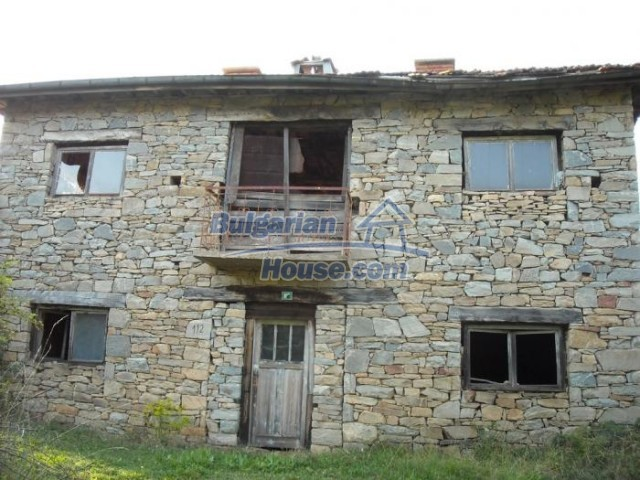 11201:15 - Stone house in a beautiful unspoiled countryside near Kardzhali
