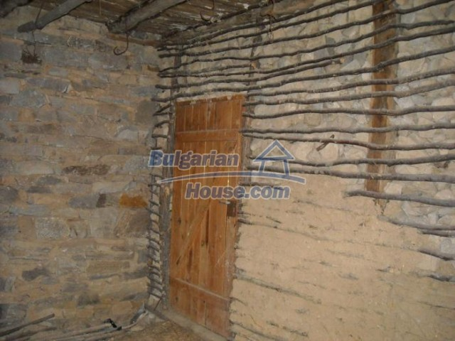 11201:17 - Stone house in a beautiful unspoiled countryside near Kardzhali