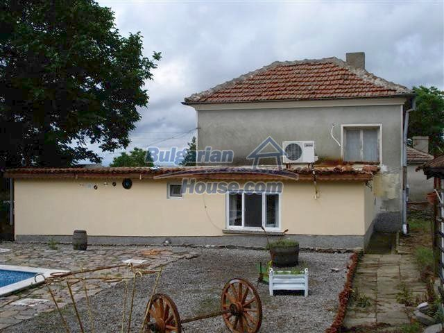 11203:3 - Gorgeous partly furnished and renovated house near Elhovo