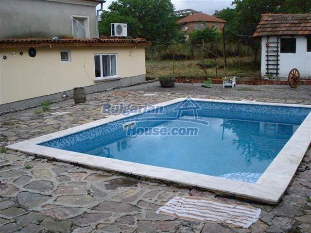 11203:30 - Gorgeous partly furnished and renovated house near Elhovo