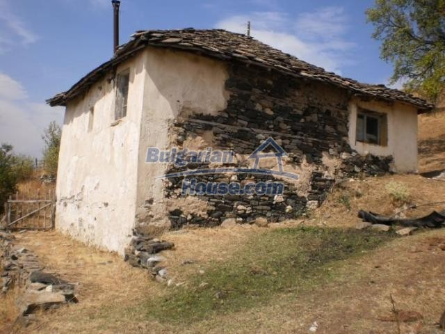 11206:10 - Charming stone house with amazing scenery 5 km from Ardino