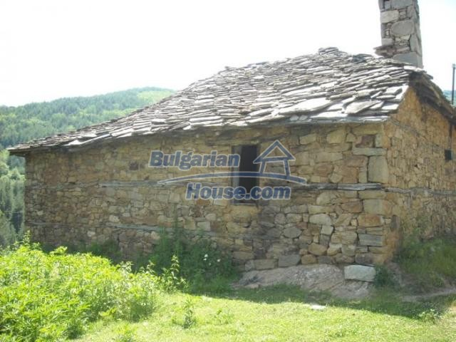 11207:3 - Rural stone built house in the Rhodope Mountains