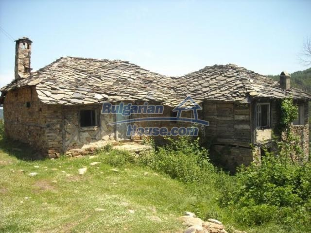 11207:4 - Rural stone built house in the Rhodope Mountains