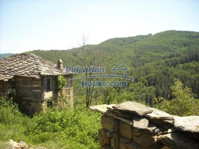 11207:5 - Rural stone built house in the Rhodope Mountains