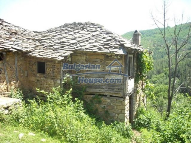 11207:6 - Rural stone built house in the Rhodope Mountains