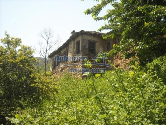 11207:8 - Rural stone built house in the Rhodope Mountains