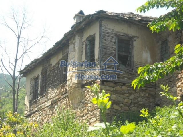 11207:9 - Rural stone built house in the Rhodope Mountains
