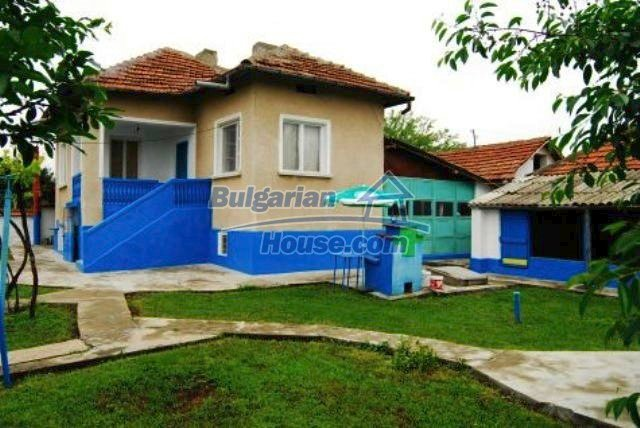 11211:1 - Fantastic cheap house with a well maintained garden near Vratsa