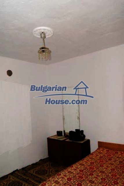 11211:9 - Fantastic cheap house with a well maintained garden near Vratsa