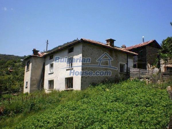 11224:2 - Two-storey house near a spa resort with a mountain view