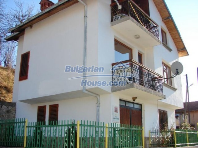 11226:1 - Incredible furnished three-storey house near Smolyan